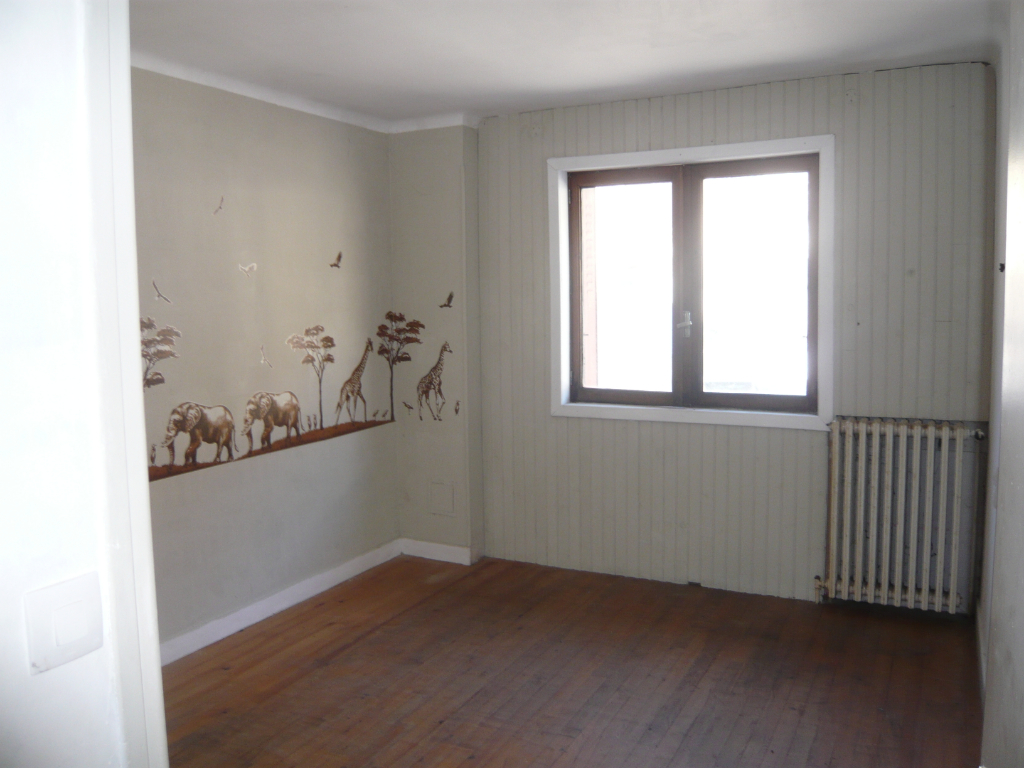 MODANE  Appartement 130 m² + atelier/bureau + box 6/11